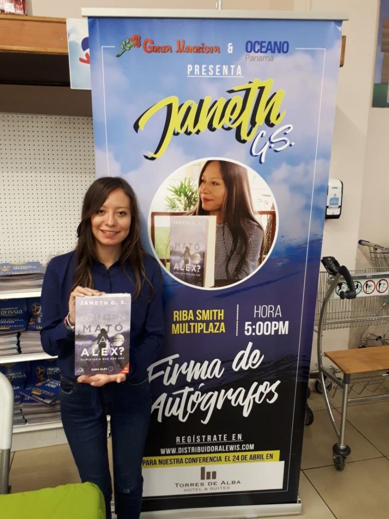 Janeth G. S. Firma de libro en Riba Smith deMultiplaza